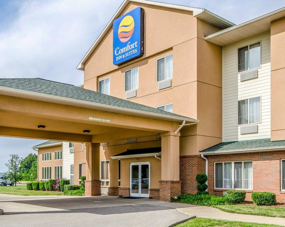 Comfort Inn & Suites: 1355 N Plaza Drive, Rockport, IN