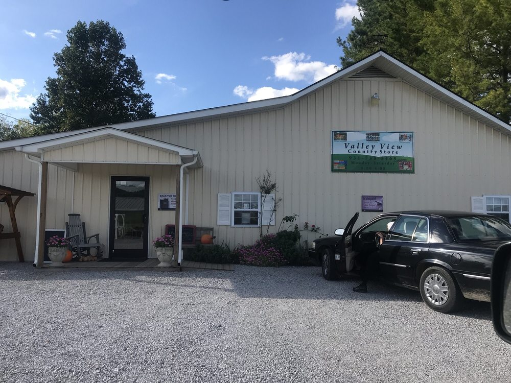 Valley View Country Store: 246 Pleasant Hill Rd, Sparta, TN