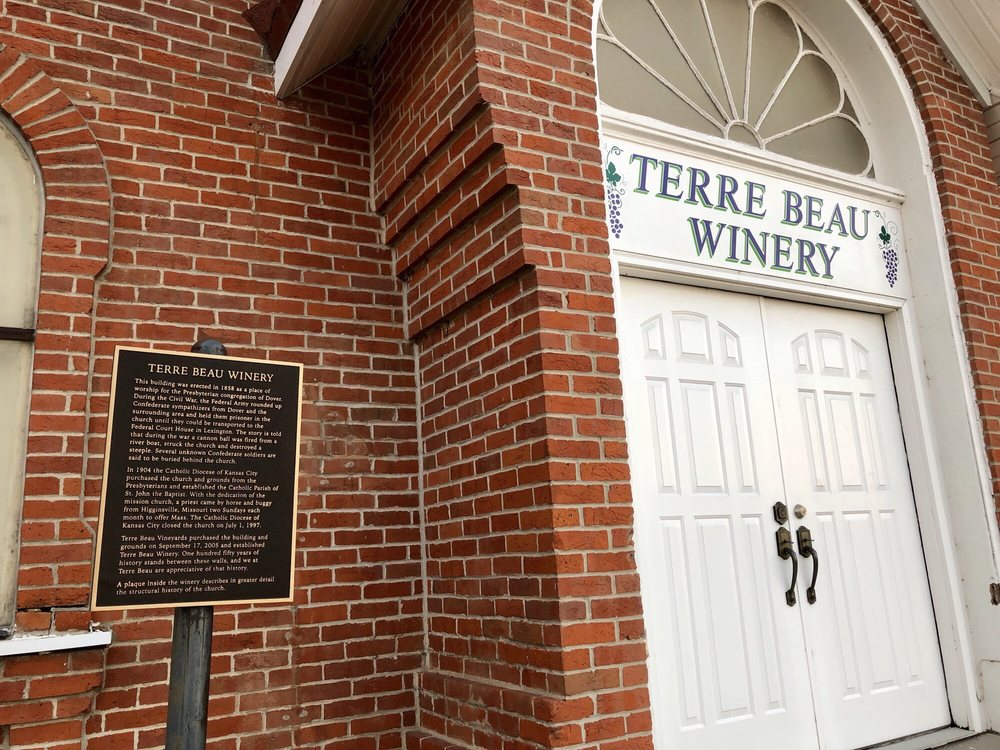 Terre Beau Vineyards/Winery: 100 S Lynn, Dover, MO