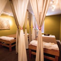 Jasmine thai yoga massage 11 photos 16 reviews for Classic house massage