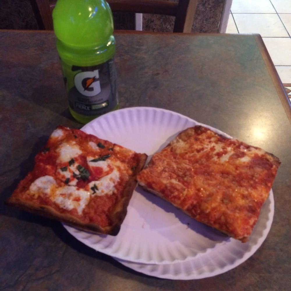 Attilio S Restaurant Pizza
