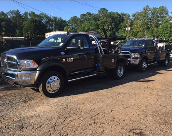Towing business in Lake Forest Park, WA
