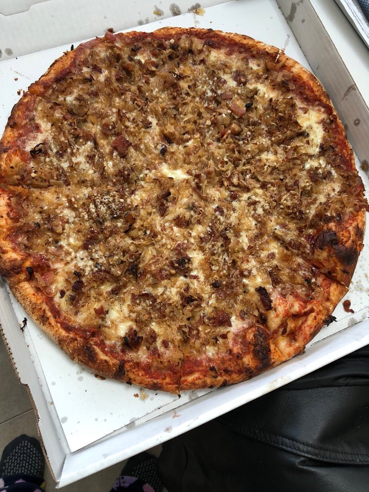 Foggia' s Pizzeria: 14795 Dix, Southgate, MI