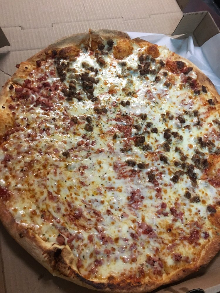 Pizza Wing King: 411 W Fairfield Rd, High Point, NC