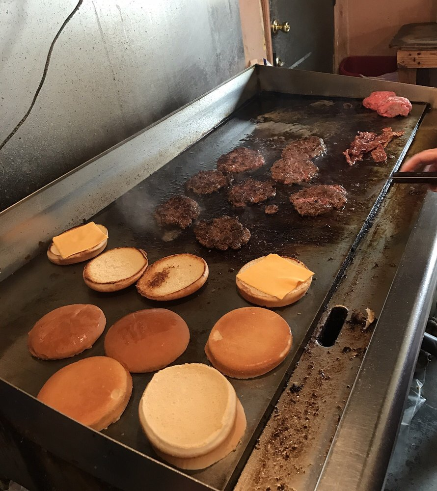 Rosa's Hamburger Stand: 215 N Commerce St, Dilley, TX