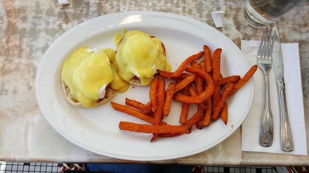 Eggty 8 Cafe