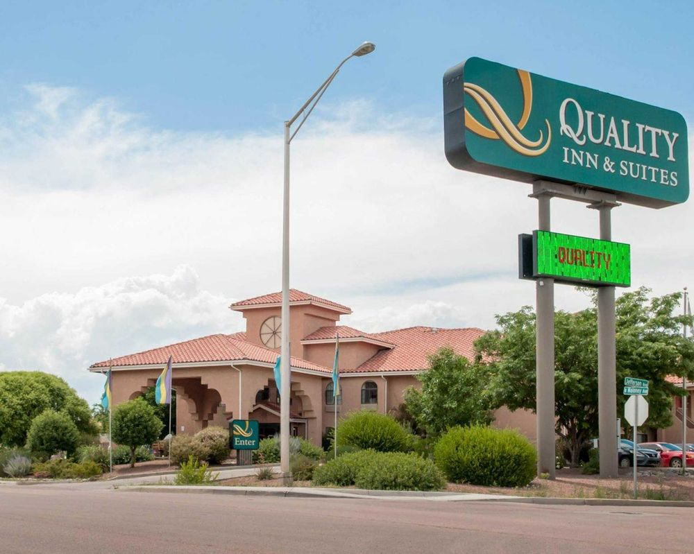 Quality Inn & Suites - 18 Photos & 20 Reviews - Hotels - 1500 W ...