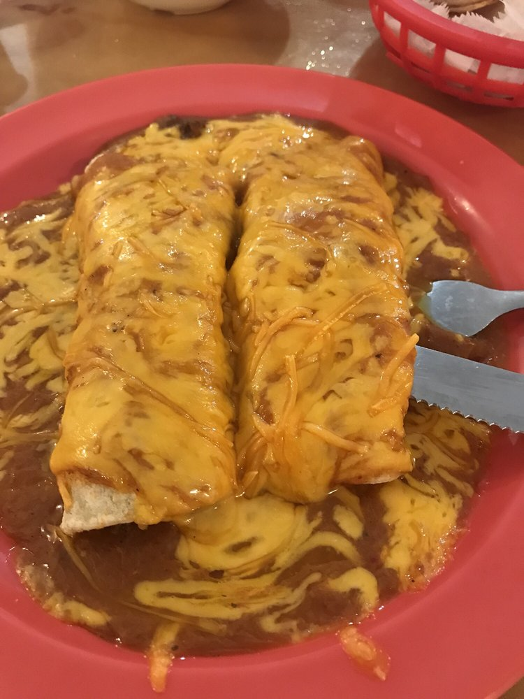 Jalisco's Mexican Restaurant: 1711 W Comal, Pearsall, TX