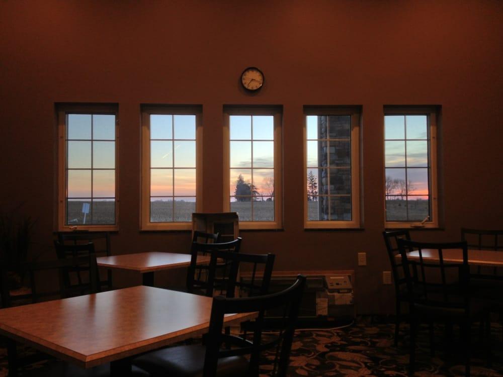 Boulders Inn & Suites: 119 Boulders Dr, Lake View, IA