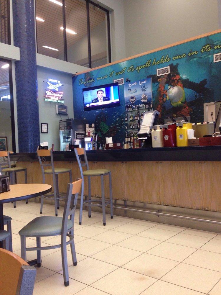 Dive Inn Bar & Grill: 6300 W Bay Pkwy, Panama City, FL