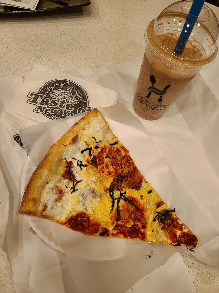 Taste of New York: 8481 Birchwood Court, Johnston, IA
