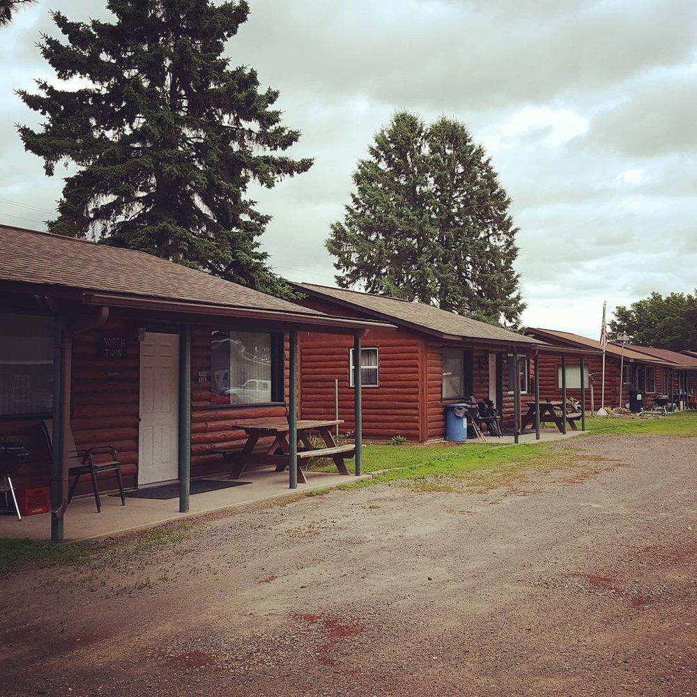Lakeview Log Cabins: 1095 Wambold Dr, Mosinee, WI