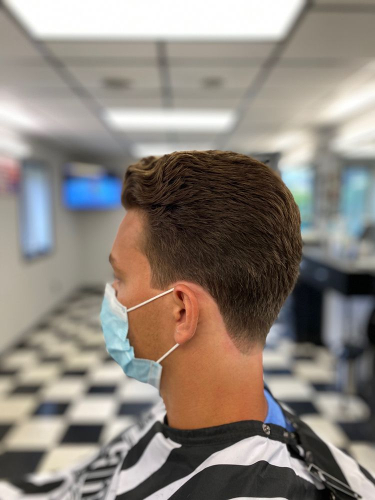 Front Row Barber: 7 Old Highway 22, Clinton, NJ
