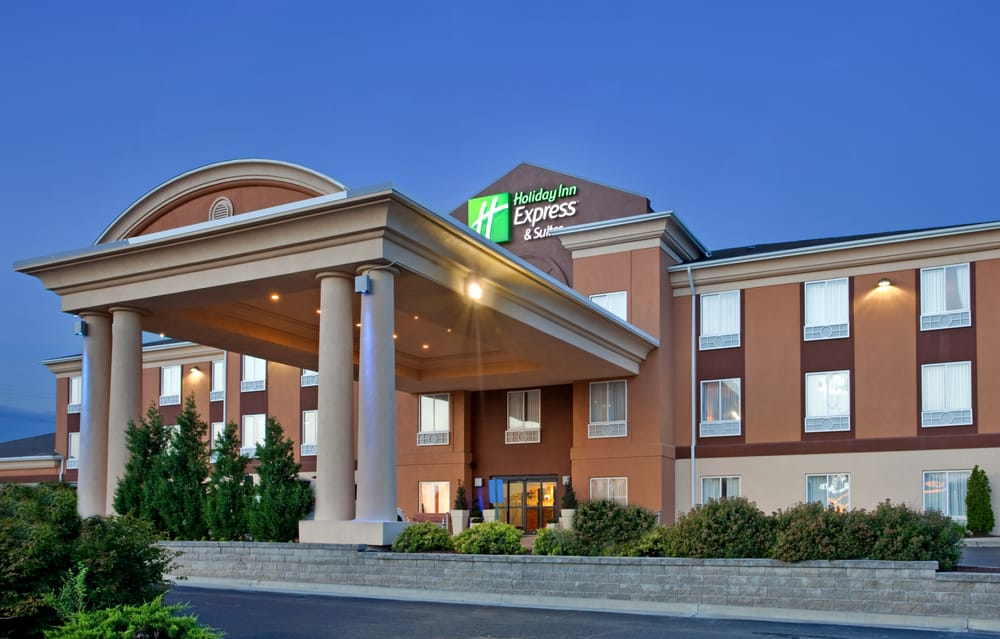 Holiday Inn Express & Suites Lawrence: 3411 SW Iowa St, Lawrence, KS