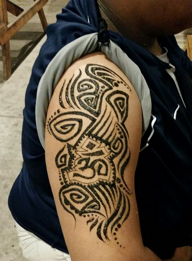 A 90 39 s tribal inspired jagua henna mix tattoo which for Henna tattoo richardson tx