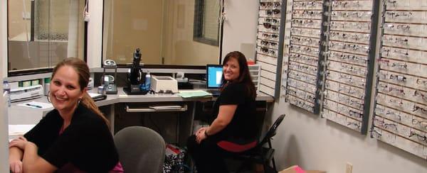 International Eyecare Center Optometrists 450 E Sigler Ave