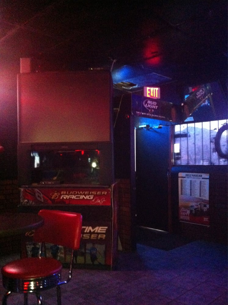 Tko's Sports Bar: 10108 McCombs St, El Paso, TX