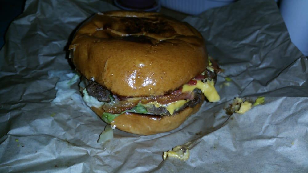 J's Casa Burger