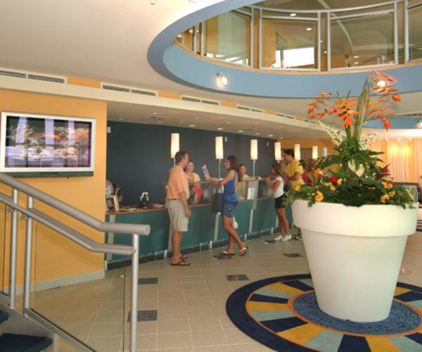 Restaurants Near Avista Resort