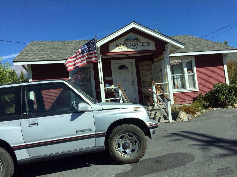 Mount Shasta Antiques & Collectibles: 316 Pine St, Mount Shasta, CA