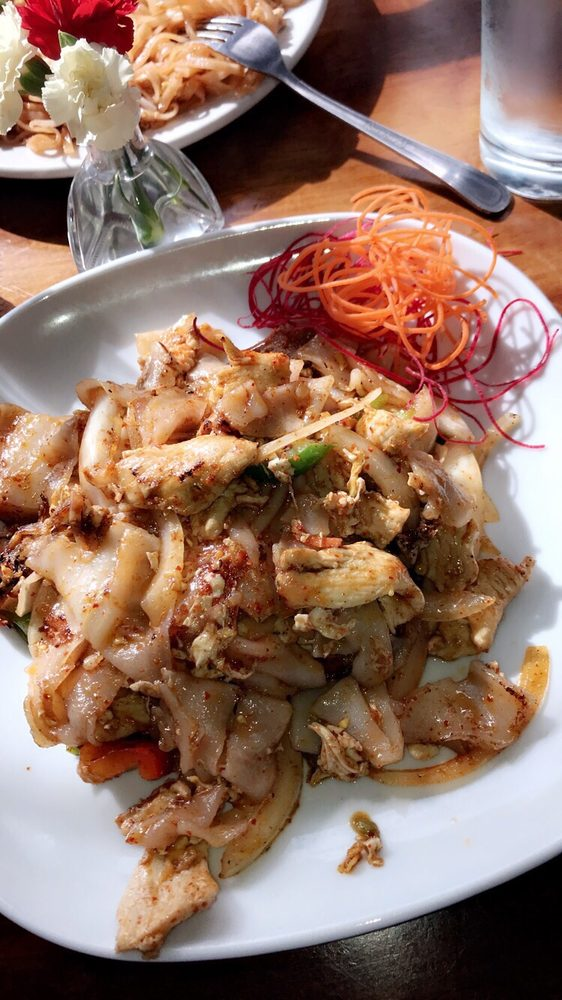 Centre Thai Bistro: 268B Atlantic Ave, East Rockaway, NY