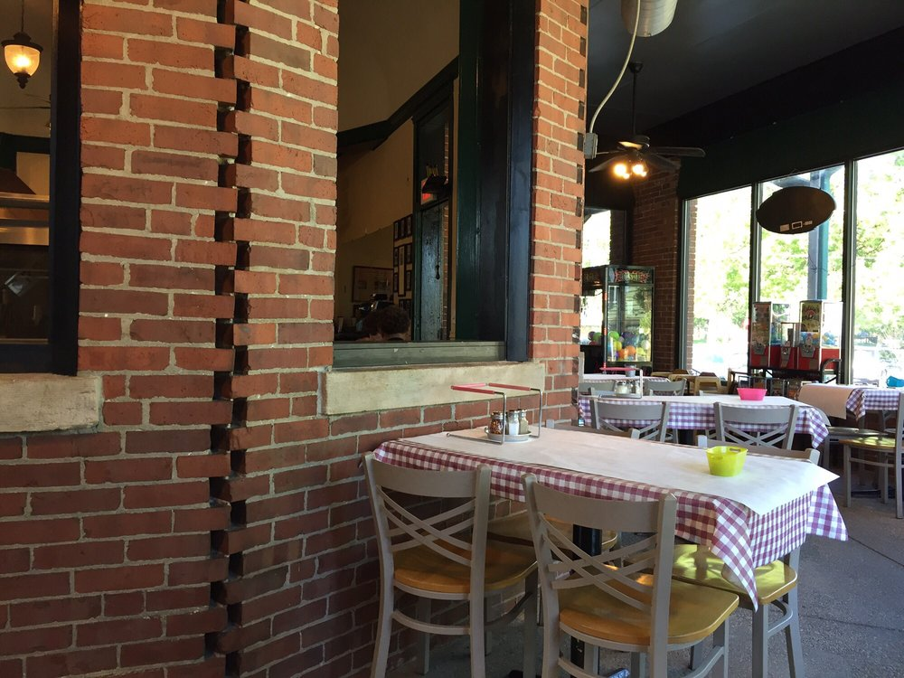 Joe's Station House Pizzeria: 721 W Washington St, Pontiac, IL