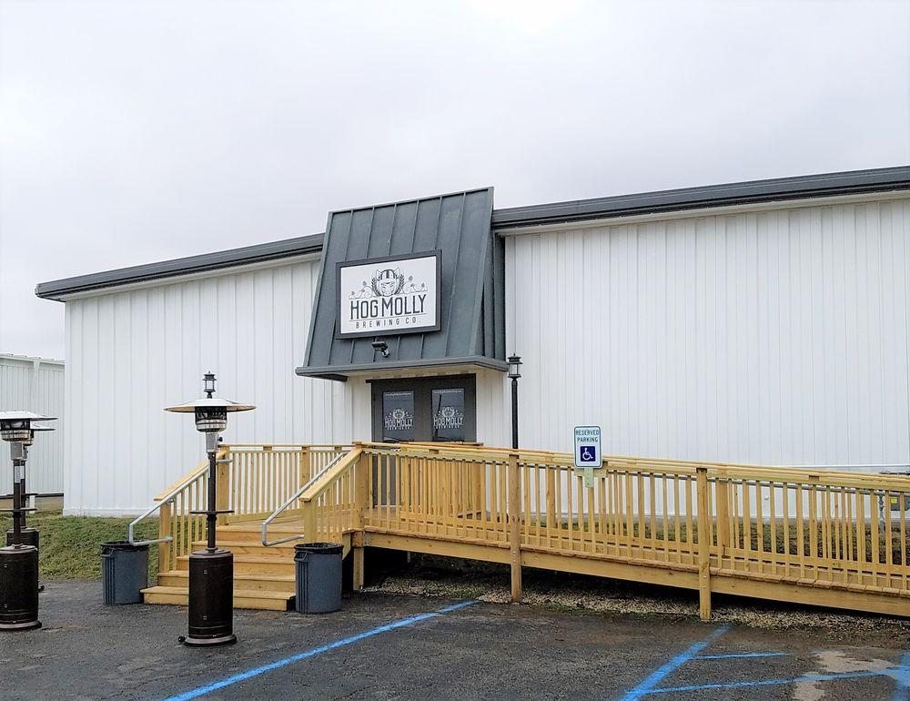 Hog Molly Brewing: 830 Depot St, Columbus, IN