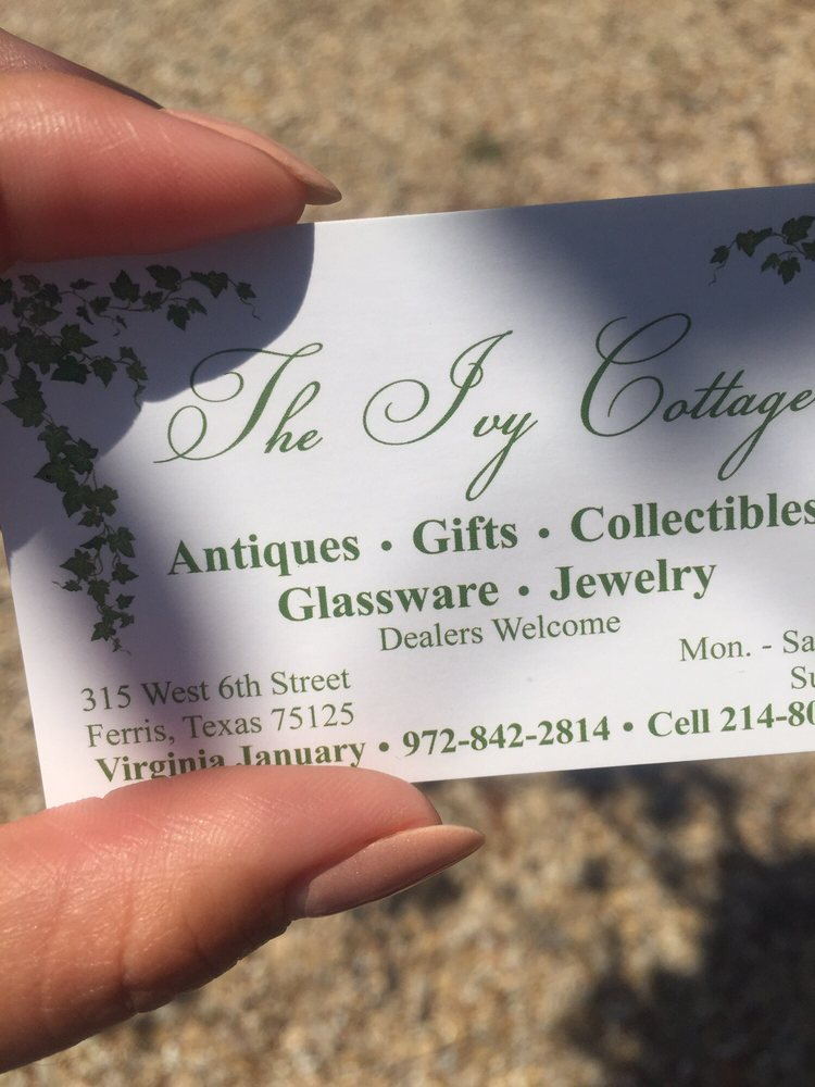 The Ivy Cottage: 315 W 6th St, Ferris, TX