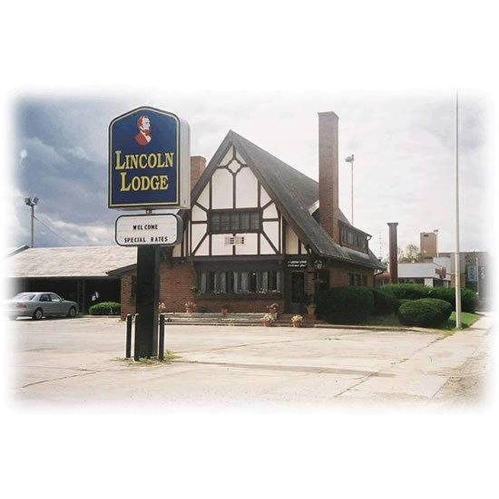 The Lincoln Lodge Urbana: 403 W University Ave, Champaign, IL