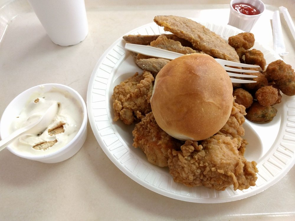 Charlie's Chicken & Barbecue: 1756 E Carl Albert Pkwy, McAlester, OK