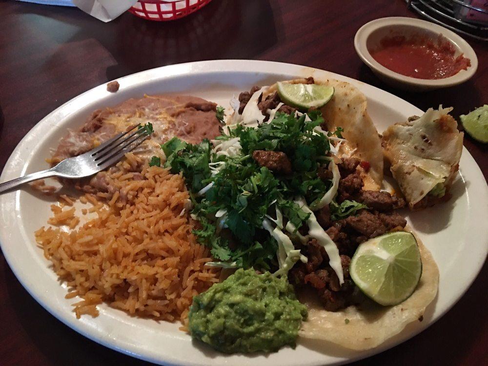 Tortas El Sinalonese: 301 W State Hwy 302, Kermit, TX