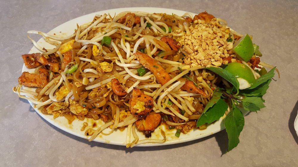 Food from Point Market & Vietnamese Restaurant