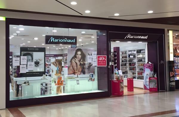 Novate Milanese Via Amoretti 1.Marionnaud Parfumeries Italia Beauty Makeup Via
