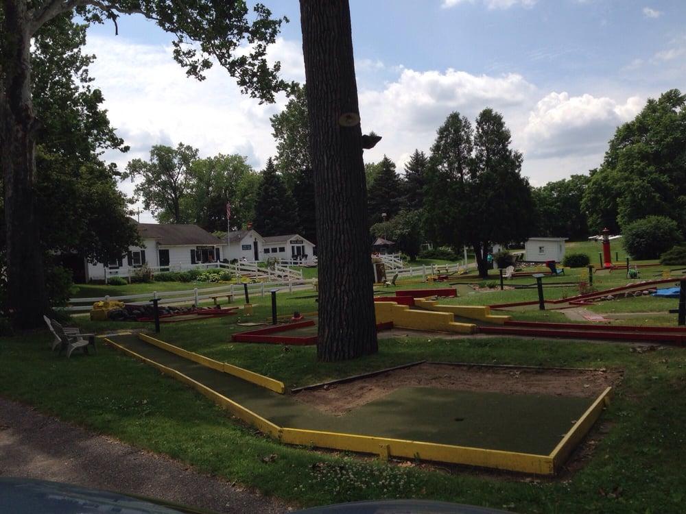 Loeschner's Village Green Miniature Golf: 4521 Chicago Dr SW, Grandville, MI