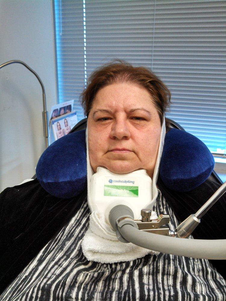 Tareen Dermatology: 2720 Fairview Ave N, Roseville, MN