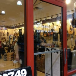 sam ash music stores 34 photos 22 reviews musical instruments teachers 139 e dekalb. Black Bedroom Furniture Sets. Home Design Ideas
