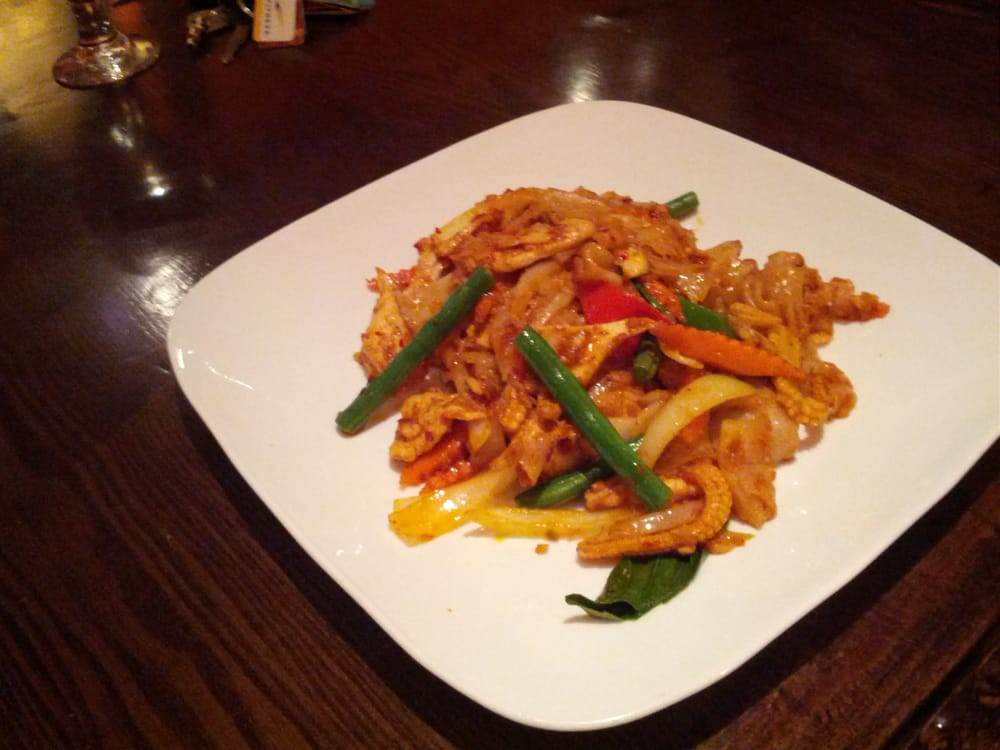 Drunken noodles with chicken yelp for 5 star thai cuisine union city