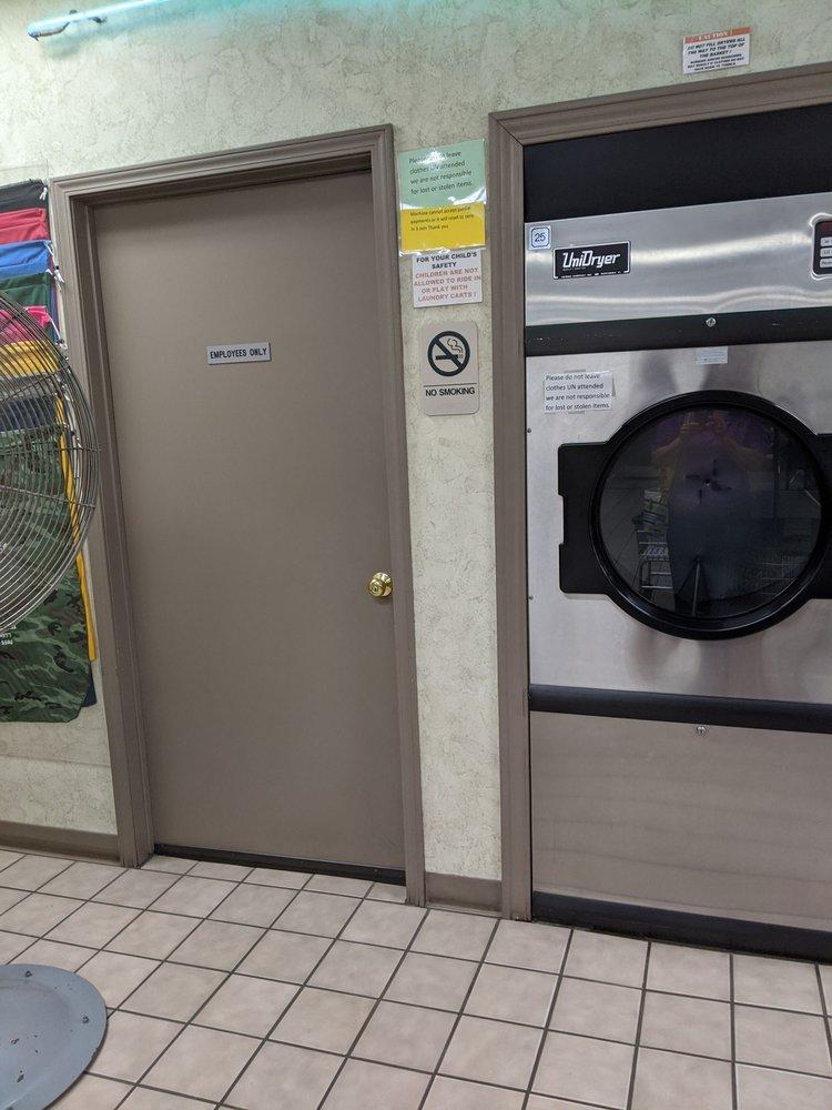 Superwash Coin Laundry: 45033 W Pontiac Trl, Novi, MI