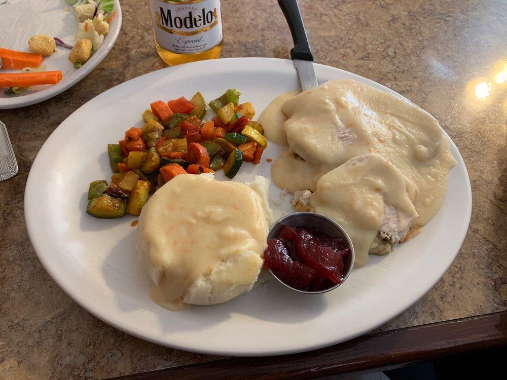 Caribou Cafe: 1012 Pine Ave, Kemmerer, WY