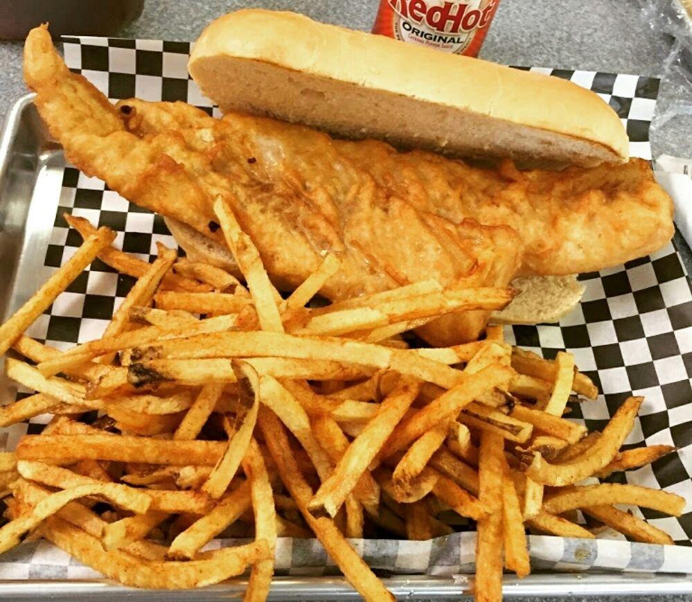 RoseAnns Diner & Deli: 243 3rd St, Aliquippa, PA