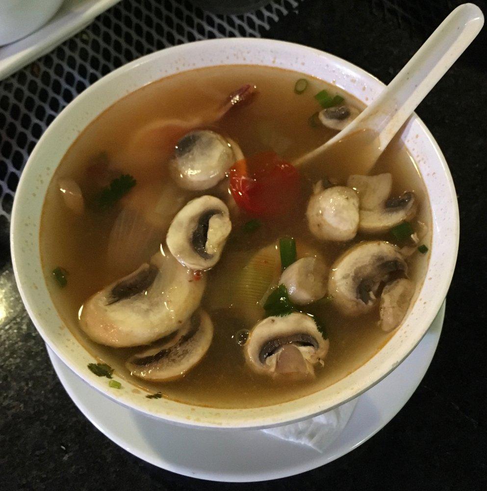 M & M Thai Cafe: 891 E Palmetto Park Rd, Boca Raton, FL