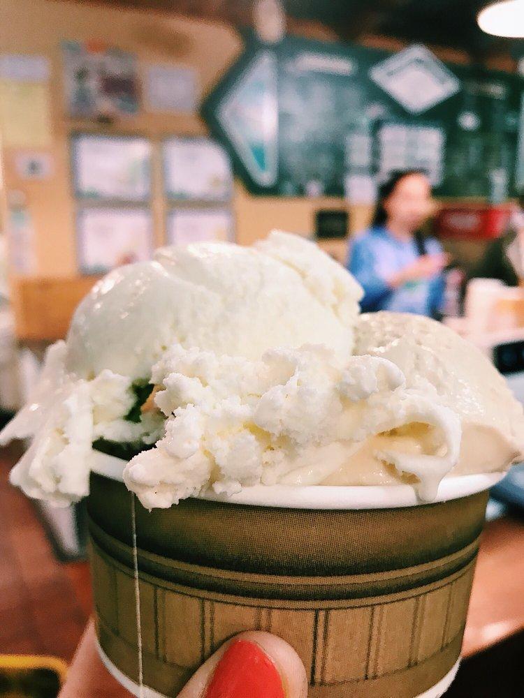 White Mountain Creamery: 19 Commonwealth Ave, Chestnut Hill, MA
