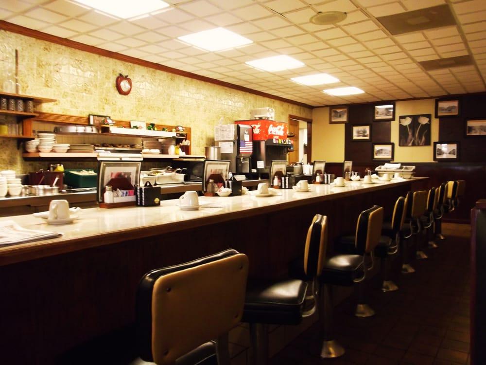 The Red Apple Inn: 1019 8th St, Monroe, WI