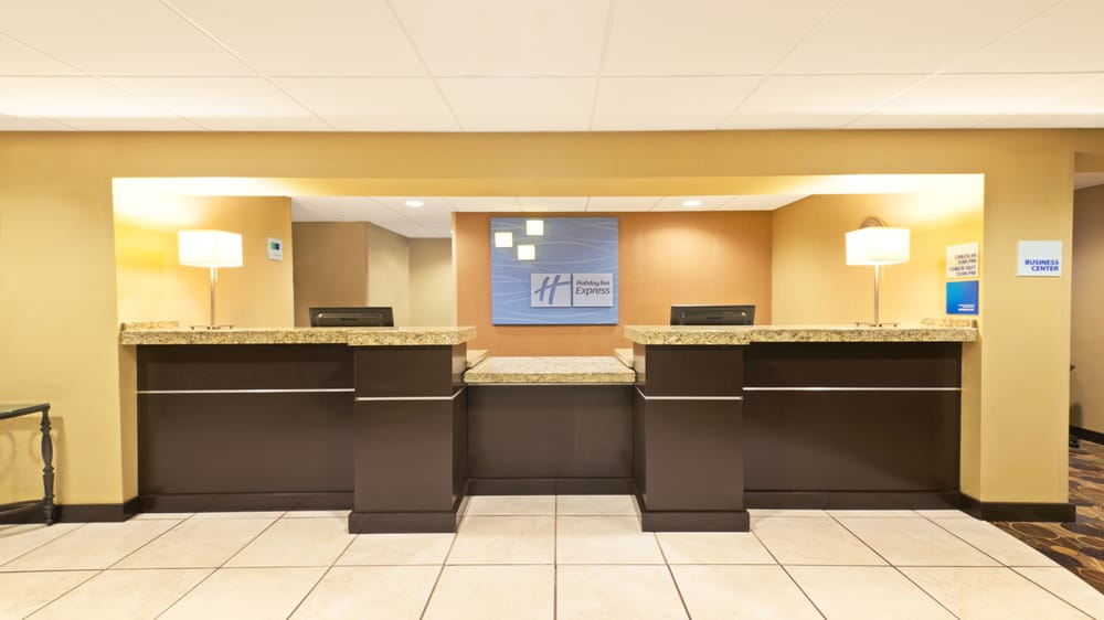 Holiday Inn Express & Suites - Colby: 645 W Willow, Colby, KS