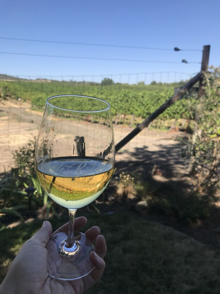 Agate Ridge Vineyard: 1098 Nick Young Rd, Eagle Point, OR
