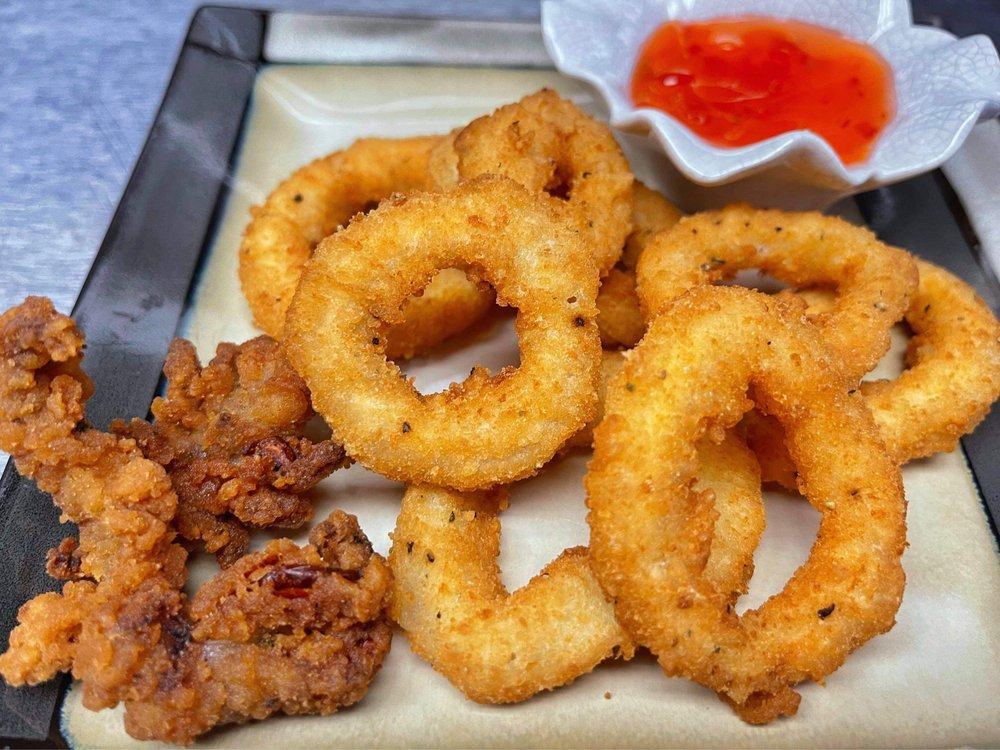 E&T Thai Food: 9234 Park Meadows Dr, Lone Tree, CO