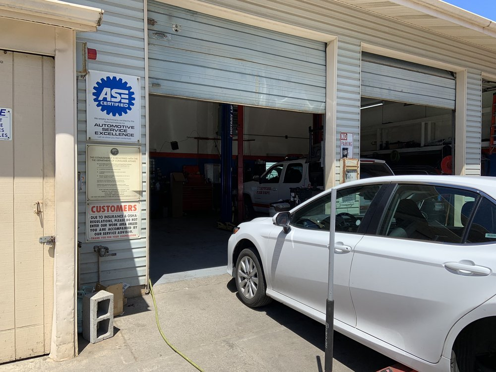 Mendocino Automotive & Towing: 110 E Manzanita St, Fort Bragg, CA