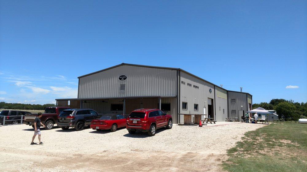 Bull Creek Brewery: 7100 Fm 3405, Liberty Hill, TX