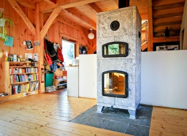 Soapstone Masonry Heater: Freestanding Soapstone Masonry Heater With Bake Oven