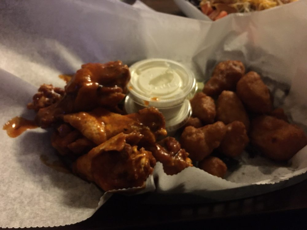 Alliger's House of Wings: 201 Spring St, Sayre, PA
